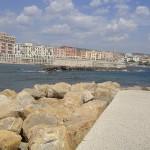 Civitavecchia,oraşul port cu mare cristalină şi plaje cu pietre