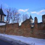 Mănăstirea Mera, singura mănăstire fortificată din Vrancea