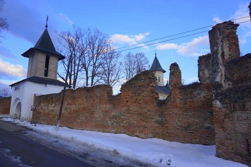 manastirea mera